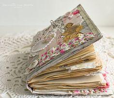 sewing junk journal flip through video Fabric Paper, Diy Paper, Paper Crafts, Memory Journal, Junk Journal, Scrap Fabric Projects, Fabric Scraps, Cool Journals, Art Journals