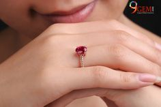 The captivating gemstone Ruby has been known as a virtuous stone since ancient times. It has the ability to stir passions and stimulate the heart, bringing love and commitment to the life of the wearer. Amethyst And Diamond Ring, Diamond Gemstone, Pink Sapphire, Jewelry Show, Jewelry Design, Jewelry Making, Pearl Gemstone, Gemstone Jewelry, Ruby Stone