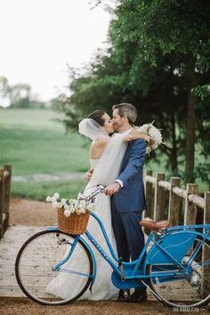 Casamento em um celeiro no Texas – Emerson e Michele http://lapisdenoiva.com/casamento-emerson-e-michele/ Foto: The kreulichs