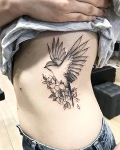 Eagle Tattoos Ideas for Women Tattoo Femeninos, Bird Tattoo Ribs, Bird Tattoo Sleeves, Swallow Bird Tattoos, 12 Tattoos, Eagle Tattoos, Tattoo Motive, Forearm Tattoos, Body Art Tattoos
