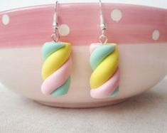 Solid Silver Marshmallow earring fairy kei by ClayCreationsForEver Cute Polymer Clay, Polymer Clay Charms, Handmade Polymer Clay, Polymer Clay Jewelry, Diy Clay Earrings, Cute Earrings, Kawaii Accessories, Cute Jewelry, Candy Jewelry