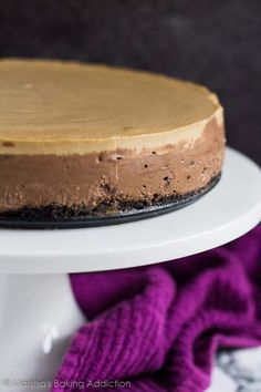 Layered Mocha Cheesecake - An Oreo crust topped with a deliciously creamy chocolate cheesecake layer, a coffee cheesecake layer, and dark chocolate ganache! Mocha Cheesecake, Chocolate Cheesecake, Chocolate Ganache, Oreo Crust, Chocolate Cream Cheese, Cake Photography, Sweet And Spicy, Dessert Recipes, Desserts