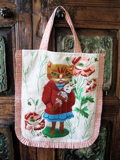 Play Clothing, Cat Bag, Cat Whiskers, Textiles, Cat Crafts, Diy Embroidery, Fabric Painting, Needlework, Creations
