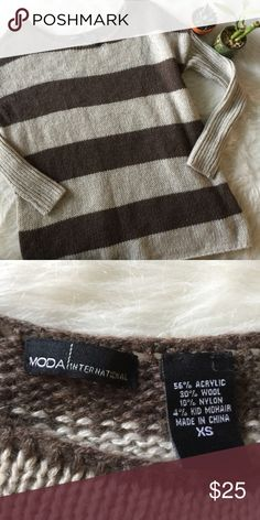 Moda International Striped Brown Sweater This sweater is in great condition! Size XS. Smoke and pet free home. No flaws like stains or holes. No trades! Offers welcome! Moda International Sweaters Crew & Scoop Necks