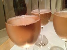 Pink champagne! Pink Champagne, Alcoholic Drinks, Wine, Glass, Food, Drinkware, Alcoholic Beverages, Meals, Yemek