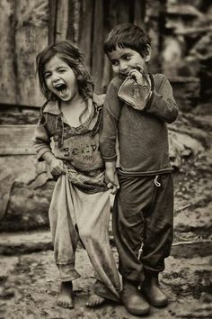 Kids, children, cute, portrait, photo b/w Beautiful Children, Beautiful People, Beautiful Smile, Jolie Photo, People Of The World, Little People, People In Love, Black And White Photography, Old Photos