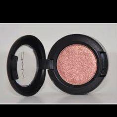 I love this shade. mac make up has my heart!