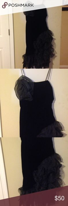 Vintavge dress Black velvet with ruffles at bottom and top Vintage Dresses Midi