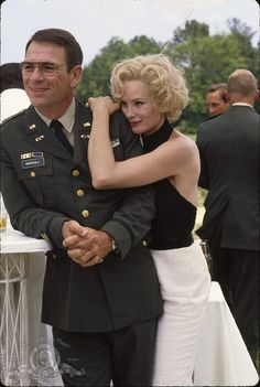 "Jessica Lange & Tommy Lee Jones (two of my most favorite actors) in ""Blue Sky"" (one of my most favorite movies). Best Actress, Best Actor, Blue Sky Movie, Celebrity Gallery, Harrison Ford, Best Couple, American Actress, Role Models, Movie Stars"