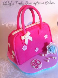 Handbag cake Birthday Cake Decorating, Cake Decorating Tips, Fondant Cakes, Cupcake Cakes, Diaper Bag Cake, Shoe Box Cake, Cake Structure, Handbag Cakes, Birthday Cakes For Women
