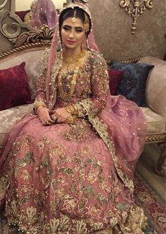 Wedding Rings For Bride Inspiration 66 Ideas For 2019 Bridal Mehndi Dresses, Desi Wedding Dresses, Indian Bridal Outfits, Bridal Lehenga, Wedding Bride, Wedding Rings, Wedding Ideas, Asian Wedding Dress Pakistani, Pakistani Dress Design