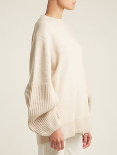Looks super comfy Knitwear Fashion, Knit Fashion, Sweater Fashion, How To Purl Knit, Elizabeth And James, Knitting Designs, Fashion 2020, Minimalist Fashion, Textiles