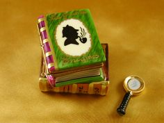 SHERLOCK HOLMES BOOK -Rochard Mystery Collectable