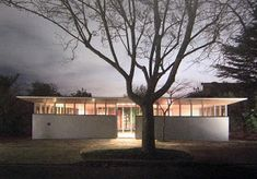 A Sculpture For Living: Courtyard Houses 1: Hill St House by Roy Grounds