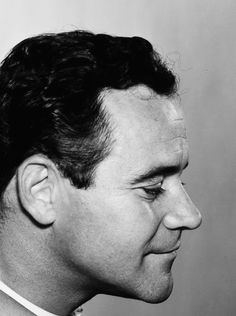 Jack Lemmon, Days of Wine and Roses. Golden Age Of Hollywood, Hollywood Stars, Classic Hollywood, Old Hollywood, Best Comedy Movies Ever, Jack Lemmon Movies, Rainy Day Movies, Star Wars, Love Movie