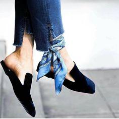 GOODMORNİNG 💙💙 #alarm #hautecouture #style #fashionista #chic #elegant #fashionblogger #scarf  #instafashion #embroidery #design #details #moda #trendy #trend #fashionable #designer #stylist #stylish #art #vogue #ootd #inspiration #denim#designer #accessories #beauty  #streetstyle#streetwear