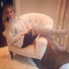 Kristin Cavallari in the Cassie boots she designed for fall. #chineselaundry