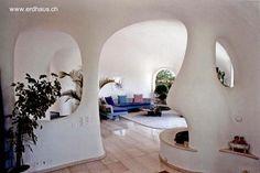 Arquitectura de Casas: Casas futuristas bajo tierra de diseño orgánico en Suiza.