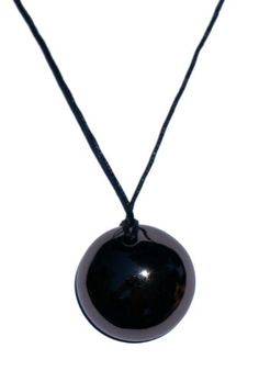 Aromatherapy jewel, your necklace diffuser of essential oils and perfume -. Diffuser Necklace, Aromatherapy, Black Gold, Washer Necklace, Essential Oils, Fragrance, Jewels, Ebony Models, Bach Flowers