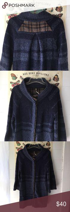 "Free People Navy Wool Blend Long Cardigan, M Warm, fuzzy, 60% wool big snap Cardigan from Free People. Chest width: 18"" Length: 31"" Free People Sweaters Cardigans"