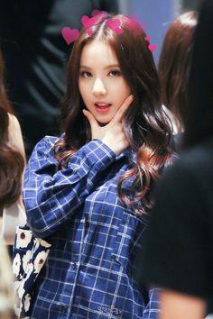 『victo�y ⅋ gala×y �+taehyung eunha Kpop Girl Groups, Korean Girl Groups, Kpop Girls, Pretty Asian, Beautiful Asian Girls, K Pop, Asian Babies, Entertainment, G Friend