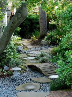 Creative Rock Garden Landscaping Ideas On A Budget 36 - decorhit.com