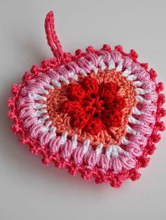 Een aantal weken geleden kwam ik op de blog van 't Bezige Bijtje  een patroon van een hartje tegen. Zoooo leuk!! Ik kon het natuurlijk niet ...