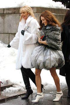 #SATC Samantha (Kim Cattrall) & Carrie (SJP) - Getty Photo -  HarpersBAZAAR.com