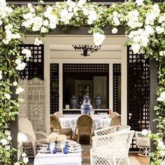 Rain, rain, go away! Most of Houston is flooded today. Thankfully, we are safe and dry at home. Wishing for sunny days and a setting as beautiful as @toryburch's chic poolhouse! #inspiration #beautiful #timeless
