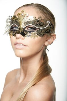 Hey, I found this really awesome Etsy listing at https://www.etsy.com/listing/163353454/beautiful-venetian-masquerade-mask