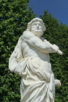 Statue of Hercules, Parc de Versailles, by Louis Leconte (19th century CE)