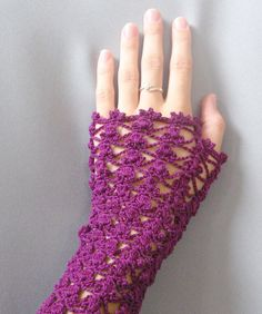 10 Fascinating Ideas to Create Crochet Patterns on Your Own Crochet Gloves, Knit Crochet, Caron Yarn, Fingerless Mittens, Crochet Accessories, Arm Warmers, Crochet Projects, Crochet Patterns, Crochet Ideas