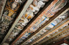 Painted ceiling at Delgatie Castle, Turriff, Aberdeenshire, Scotland Home Ceiling, Ceiling Beams, Ceiling Painting, San Diego Houses, Painted Ceilings, Painted Beams, Painted Walls, Painting Studio, Room Paint