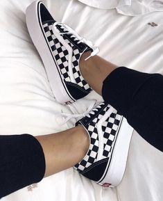 Vans platform sneakers / vans checkered sneakers inspo / vans old skool platform sneakers / sneaker inspo / love for sneakers / lace up sneakers Vans Sneakers, Platform Sneakers, Converse, Vans Shoes Outfit, Tumblr Sneakers, Sneakers Workout, Platform Vans, 80s Shoes, Shoes 2018