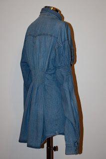 Franziska: Camicia da uomo anni '90, modificata da donna con pence sul davanti e goffrature nel dietro e sulle maniche