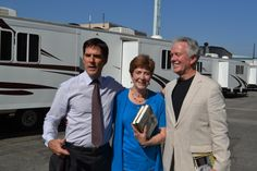 """With Thomas Gibson """"Hotch"""" on the set of Criminal Minds. (merletemple.com)"""
