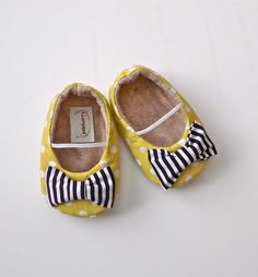 EDEN baby girl shoes - lime green polka dot with navy blue stripe bow. $27.95, via Etsy.