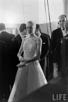 Grace Kelly's Departure From Hollywood. Photographer: Allan Grant. — LIFE