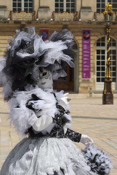 Ville de Nancy - Masque vénitien pendant la Lorraine est formidable  Proposé par Cédric Amey