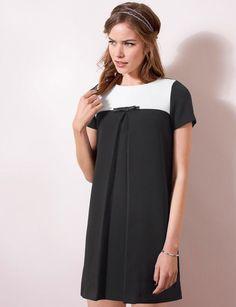 La robe bicolore Robe noire et blanche avec nœud fantaisie, Mademoiselle R, 49,99 €.