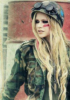 Avril Lavigne and little black star Bild