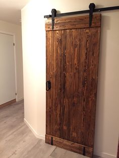 Barn-door for walk-in closet. #fashion #design