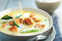 Try this low in saturated fat chicken Thai green curry recipe. Enjoy a low calorie vegetarian version of this favourite with Quorn Meat Free Chicken Pieces.