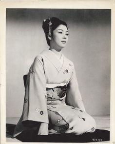 Kyo Machiko in a vintage photo.