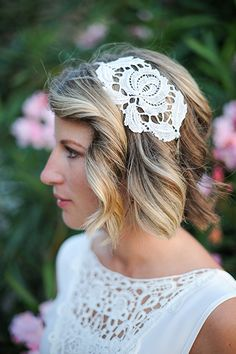 A DIY headband played up the lace detailing of Jasmin's wedding gown, and she kept the rest of her accessories minimal so that the focus was on the breathtaking Italian scenery.