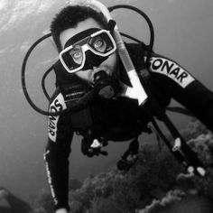 Diving on the Great Barrier Reef in the far north of Queensland Australia. Circa 2015 #GBR #greatbarrierreef #travel #Australia #queensland #QLD #diving #portrait #photography #science #geology #expedition #exploration #professionalexplorer #gentlemenstyle #gentlemen #gentlemenexplorer #style #mensstyle #remote #ocean #lifestyle #adventure by tonymmorley http://ift.tt/1UokkV2