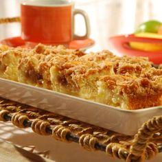 Receita de Cuca de maçã Royal - fermento químico em pó , açúcar, margarina Qualy , farinha de trigo, ovo, maçã, amido de milho, leite, conhaque, canela-da-ch...