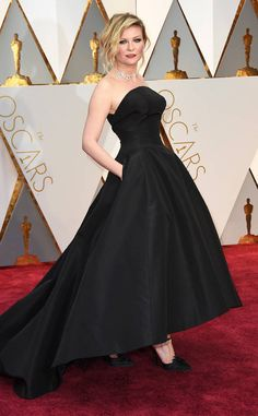 Kirsten Dunst: oscars-2017-red-carpet-arrivals