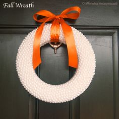 Super easy fall wreath that can easily change for more holidays! Love the texture. #fall #craft