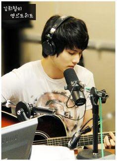 Lee Jonghyun (CNBLUE)